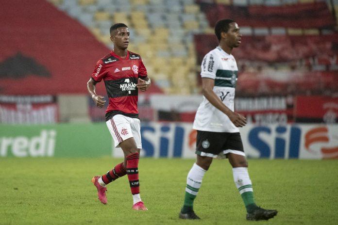 Flamengo já utilizou 20 jogadores da base nesta temporada