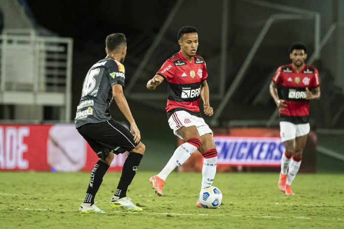 Flamengo recebe oferta pela contratação de Lázaro