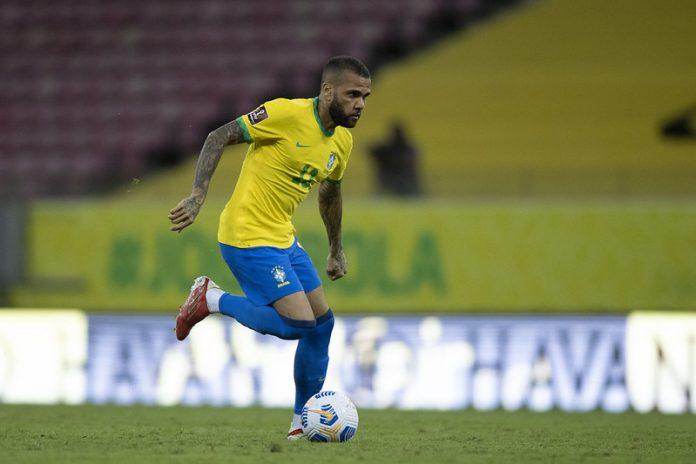 Rodolfo Landim afirma que Daniel Alves interessa ao Flamengo